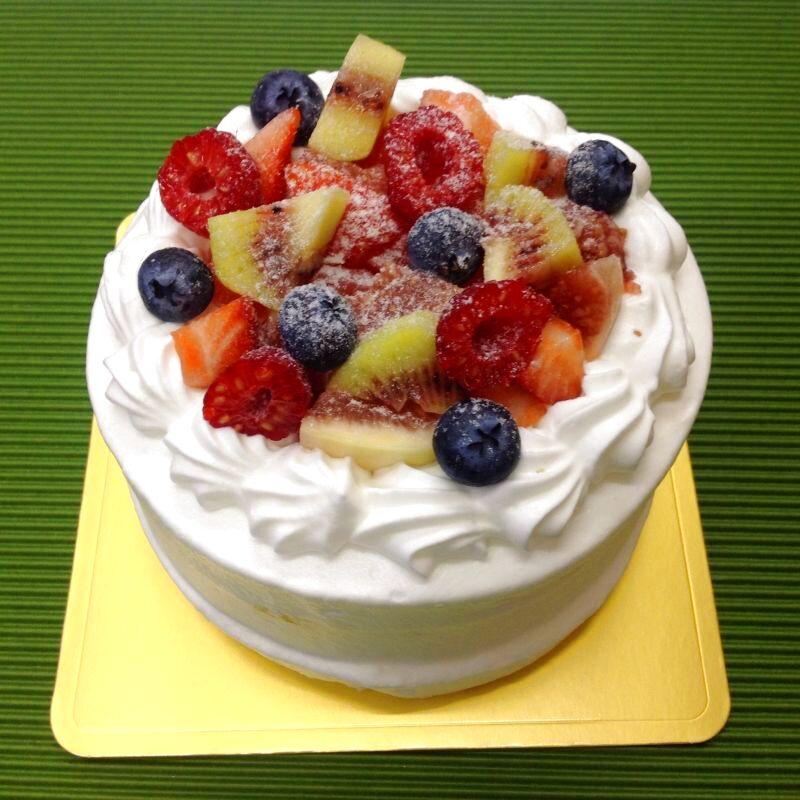 画像1: 糖質オフフルーツたっぷりホールケーキ4号(12cm)